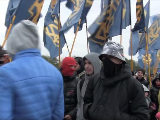 Украина придаст флагам националистов официальный статус: их вывесят на здания
