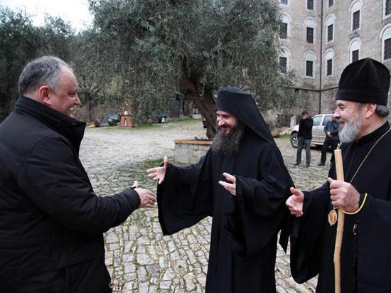 Игорь Додон побывал с визитом на горе Афон