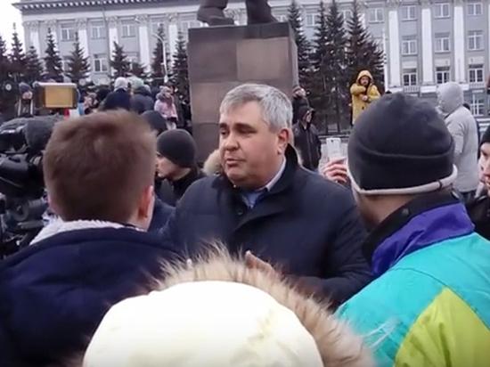Вице-губернатор раскритиковал митингующих в Кемерово: дискредитация власти, много