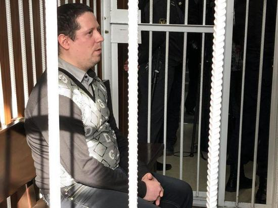 Охранник ТЦ Кемерово Антюшин в разгар пожара «выбежал и уехал»