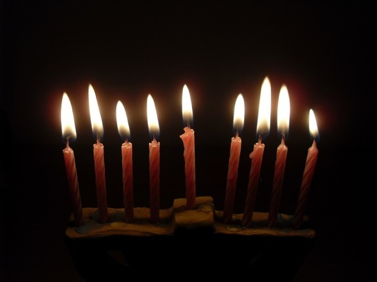 Шестерых граждан Израиля оштрафовали в Москве за зажженные свечи