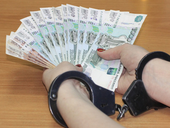 Инспектор межрегионального управления Госавтодорнадзора подозревается в получении взятки