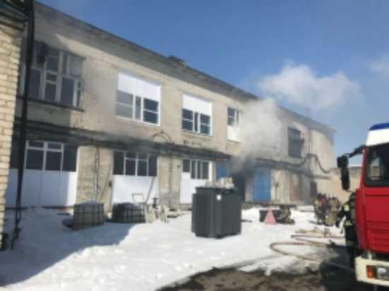 В Ульяновске тушили пожар на трикотажной фабрике, 20 человек эвакуировали