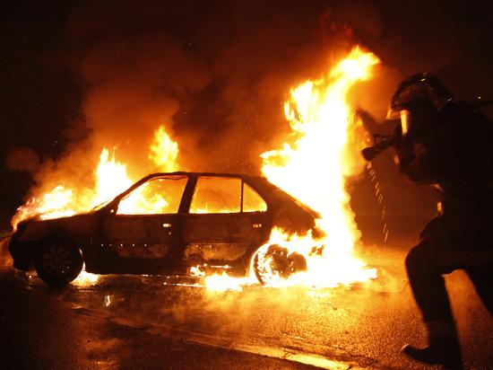 В Тамбовской области сгорел автомобиль ВАЗ 2108