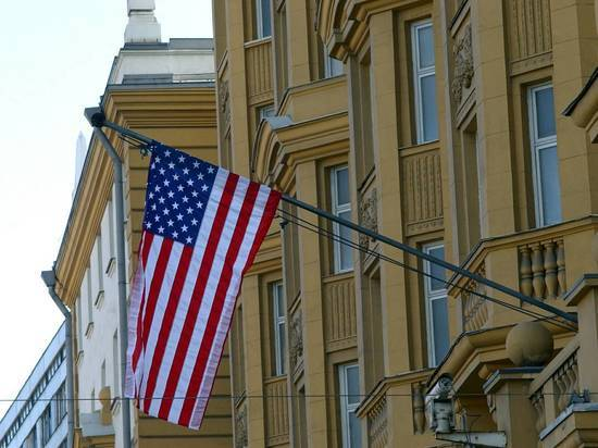 Россия закрыла консульство США в Петербурге и выслала дипломатов