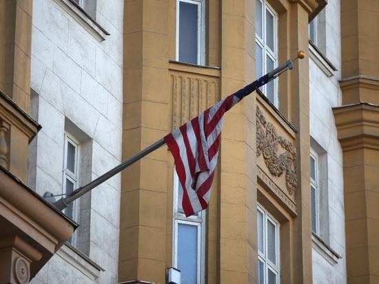 Россия закрыла консульство США в Санкт-Петербурге: что делать с визами