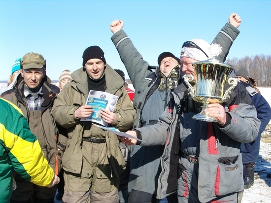 Кубок «Вызова» собрал под Костромой более 200 энергетиков-рыбаков