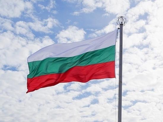 Премьер-министр республики заявил, что российские дипломаты и технические сотрудники не будут высылаться из страны