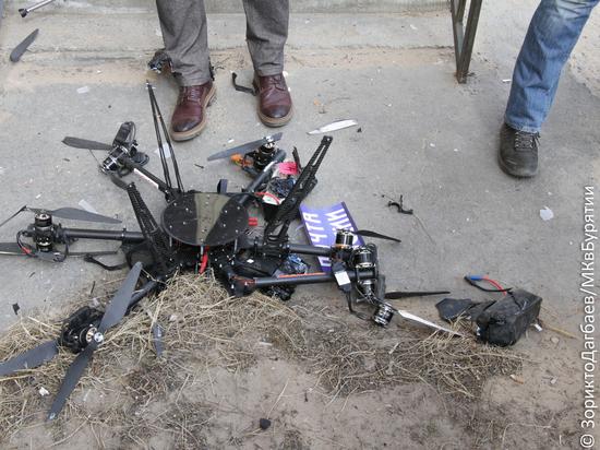 «Бумсик не удался»: В Улан-Удэ «почтовый» дрон припечатался об стену