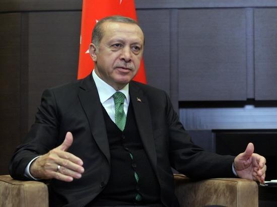 Президент Турции разозлил христиан чтением Корана