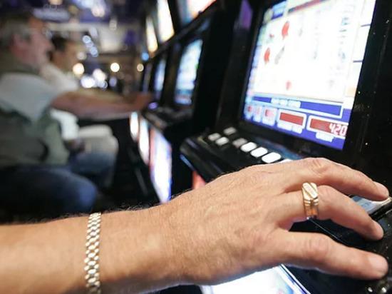 В Котласе прикрыли нелегальное казино