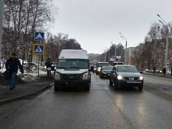 Водитель маршрутки сбил женщину на пешеходном переходе в Новочебоксарске