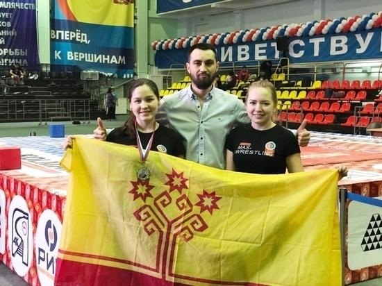 Чебоксарская спортсменка стала серебряным призером всероссийского турнира по мас-рестлингу