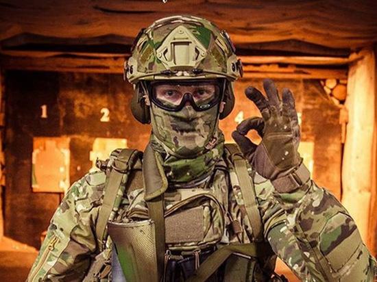 Шапка с совой и фиолетовые перчатки: охранников Росгвардии оденут по-новому