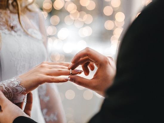 В прошлом году тамбовчане стали чаще жениться и реже разводиться