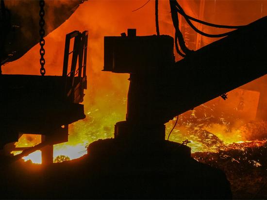 Минимальная зарплата свердловских горняков и металлургов будет не ниже 18200 рублей
