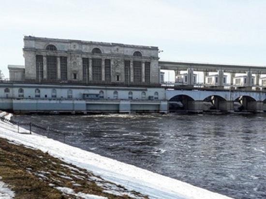 В районе Угличского гидроузла началось половодье