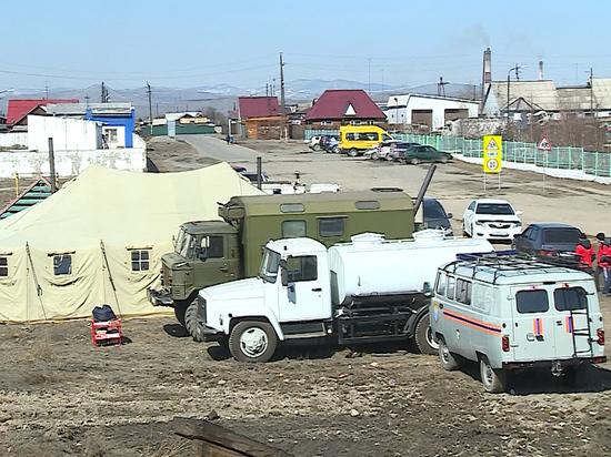 В Туве пострадавшим от подтопления жителям развозят продукты питания, уголь и дрова