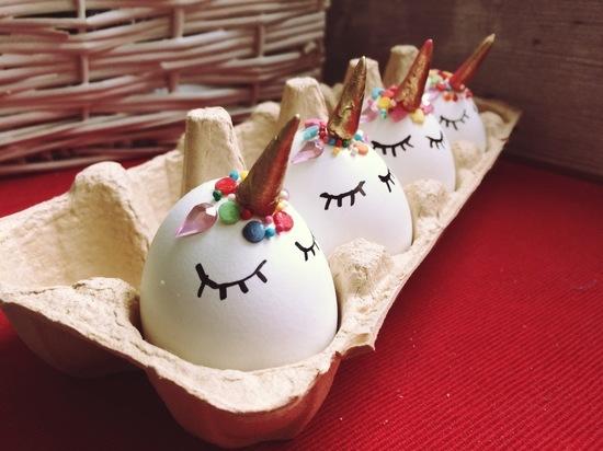 Как покрасить яйца на Пасху: шесть необычных и легких рецептов