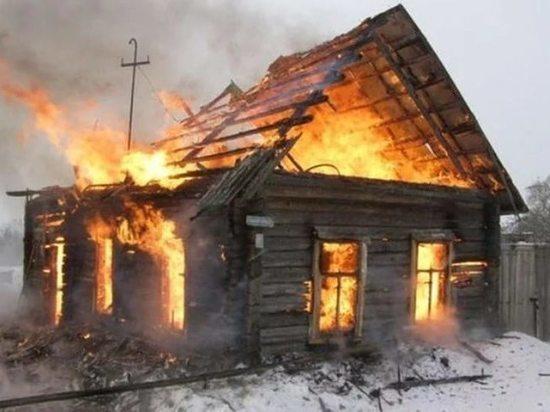 20 пожарных тушили ночью дом в Сызрани