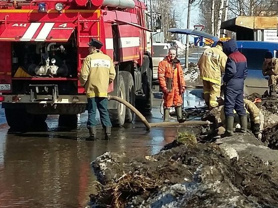Срочно: частный сектор Петрозаводска тонет в талой воде
