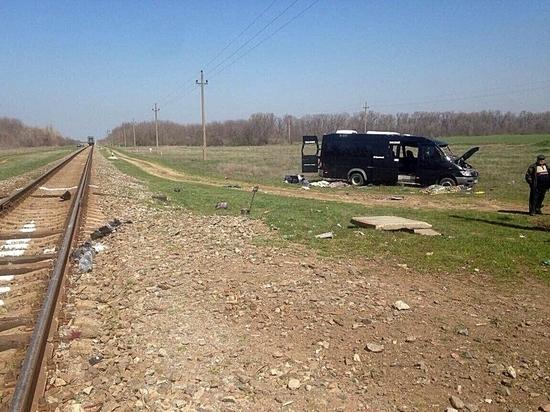 В столкновении автобуса и поезда в Крыму погибло пять человек