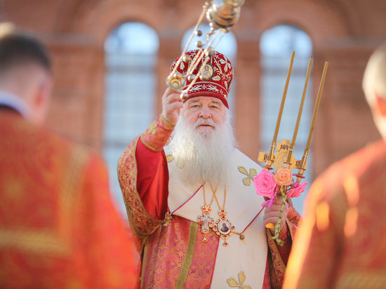 Крестный ход в Волгограде завершился у строящегося Александро-Невского собора