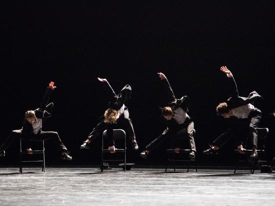В Музыкальном театре зрители пустились в пляс, а артисты — в стриптиз