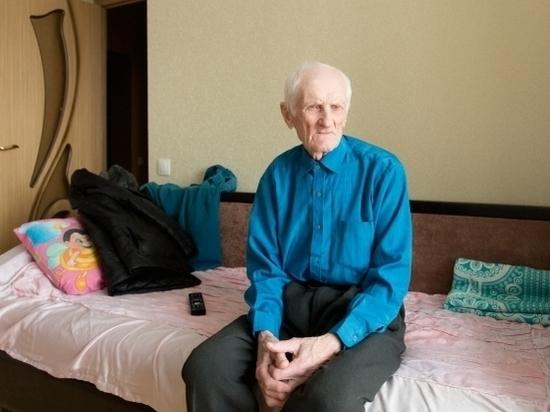 На доверии: 68-летняя подруга уговорила ветерана из Волгограда отдать ей квартиру