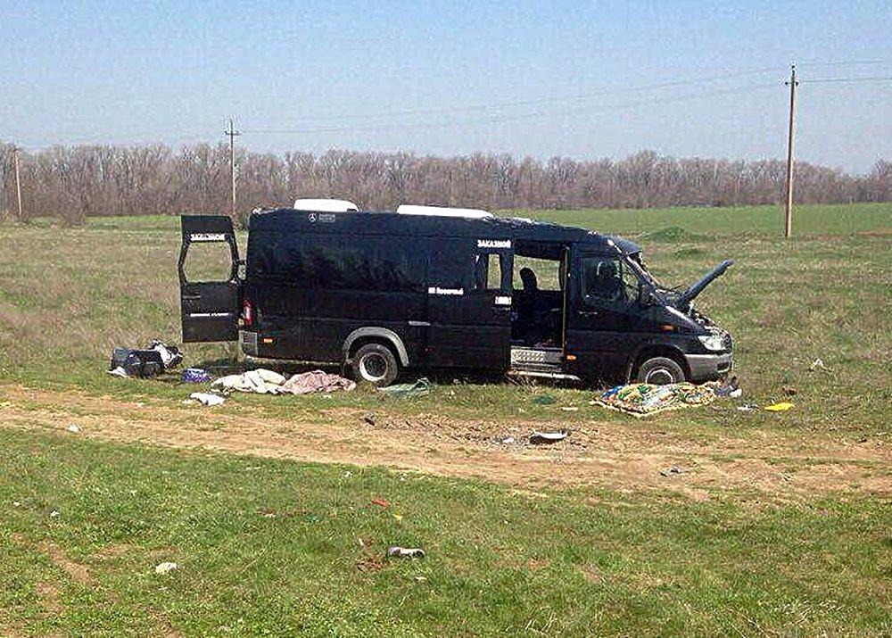 Страшное ДТП в Крыму: микроавтобус с пассажирами попал под поезд