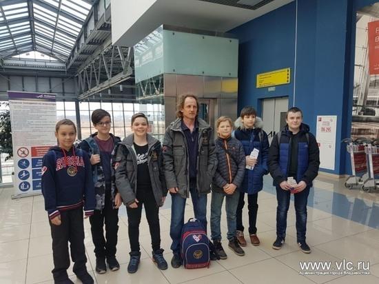 Медали привезли с Сахалина юные сноубордисты Владивостока