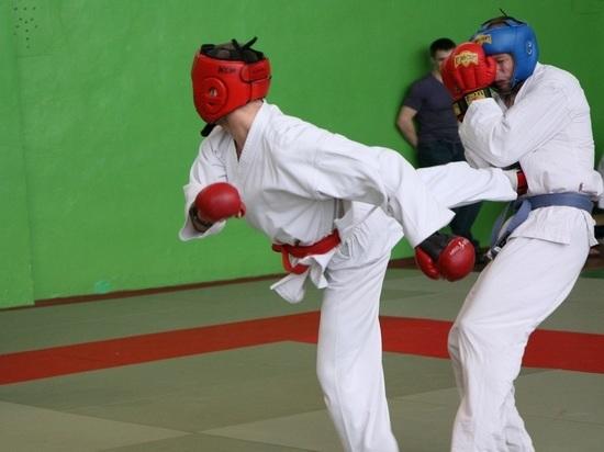 В рукопашном бое сильнейшими признаны спортсмены архангельского УФСИН