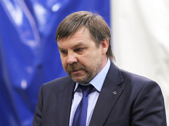 СМИ: Знарок покинул пост главного тренера хоккейного СКА