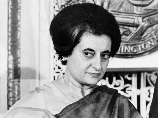На Пироговке отмечают 100-летие Индиры Ганди
