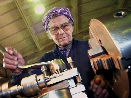 Работа до гробовой доски: пенсионерам хотят добавить лишние годы… к трудовому стажу