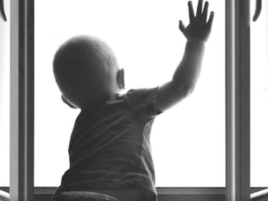 Архангельская Росгвардия сняла вынула из открытого окна четырёхлетнего ребёнка