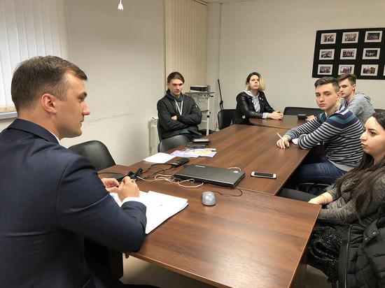 Будущим псковским журналистам объяснили, как поститься без баланды