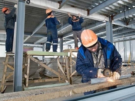 Губернатор поддержал строительные компании региона