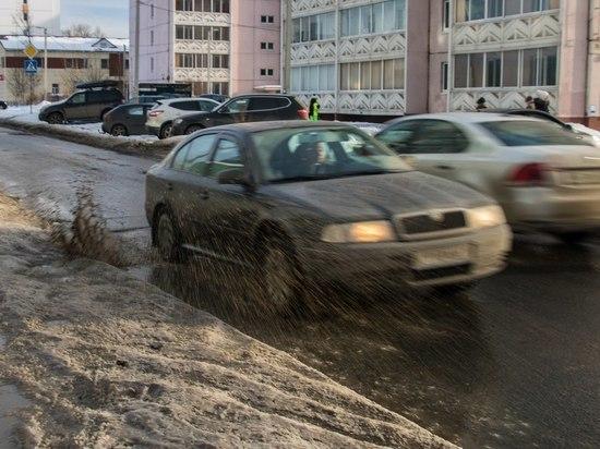 На карельских дорогах вводят ограничения движения из-за распутицы