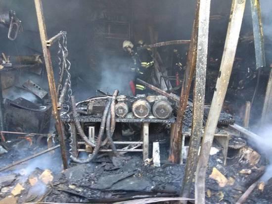 Крупный пожар произошел на нижегородском предприятии «Автоглушитель»