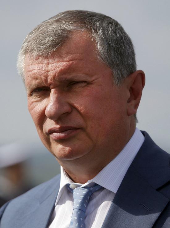 Сечин дает показания в закрытом режиме по делу Улюкаева