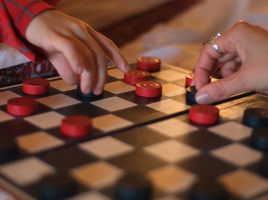 Школьники Вышнего Волочка поедут в Сочи на соревнования по шашкам