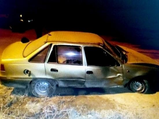 Волгоградский форсаж: пьяный автомеханик угнал машину и врезался в столб