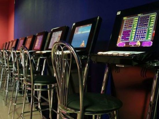 Молодая северодвинская дама организовала казино под видом интернет-кафе