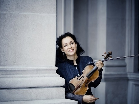 С Симфоническим оркестром Казанской консерватории выступит знаменитая скрипачка Ивонна Смойлерс