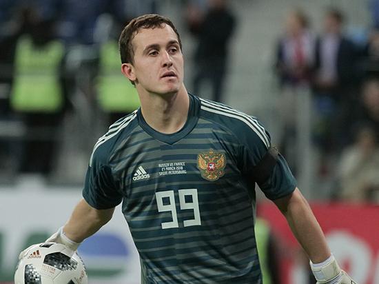 Футбольная сборная России потеряла вратаря: поправится ли Лунев к ЧМ-2018