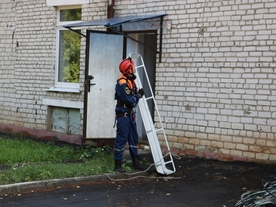 В Татарстане пенсионерка оказалась запертой на балконе