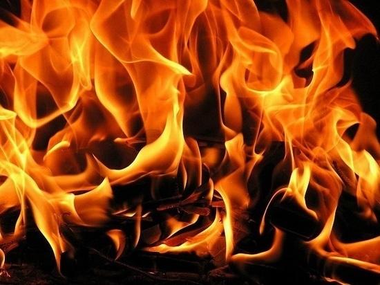 Во время пожара в Казани отравилась продуктами горения пенсионерка