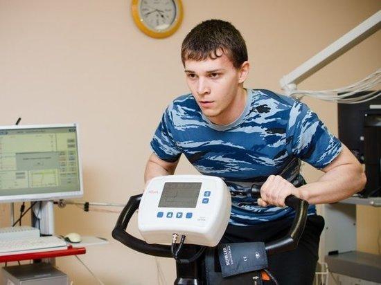 Российские ученые создали футболку, умеющую снимать электрокардиограмму