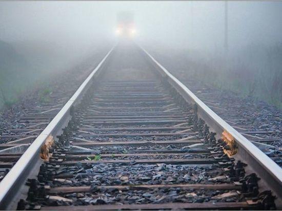 В Тверской области скорый поезд насмерть сбил молодого мужчину